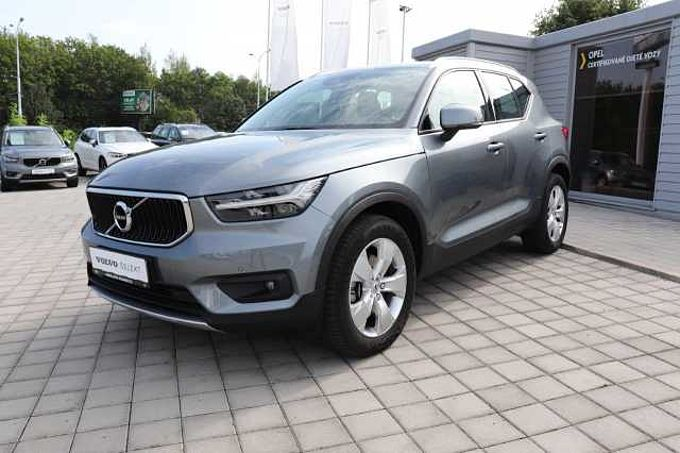 Volvo XC40 D4 AWD Momentum AT8